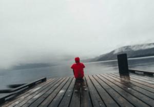 Почему Бог посылает одиночество? Ответ психолога (3 весомых причины)